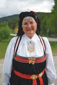 Helga Arntzen i Setesdalsbunad 17. mai 2011